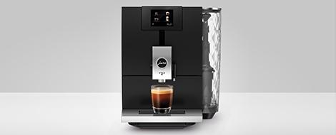 Nowoczesny ekspres do kawy w czarnym kolorze jura ena8 black
